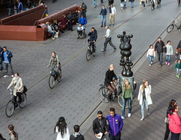fietsers in de Grote Marktstraat